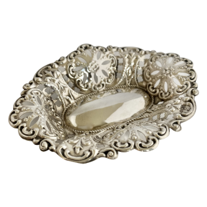 Pretty antique silver dish, Antique silver, jewellery, collectables & more. Greystones Antiques, Co. Wicklow, Ireland. 20km south of Dublin.